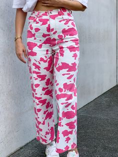 Printed Pants Outfits, Pink Cow, Cow Print, International Fashion, Shenzhen, Aesthetic Clothes, Cyber Monday, Spinning, Cute Outfits