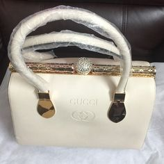 ! One day sale ! Gucci handbag Gucci handbag.. Inside pockets also.. Gucci Bags Shoulder Bags