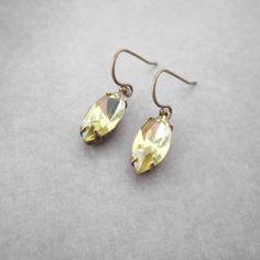 Light yellow earrings with vintage rhinestones by ArxRosarum #bridal #earrings #elegant