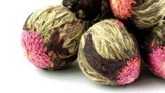 SMT Flower Bomb // Not just a pretty face: SMT Flower Bomb is full of antioxidants & other fun stuff (all natural of course!) that is beneficial for your health. Only available from www.skinnymetea.com.au