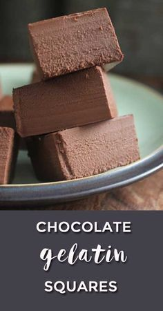Chocolate Gelatin Squares - based on gelatine, coconut oil, cocoa. Use carob to AIP-ify. Gelatin Recipes, Jello Recipes, Real Food Recipes, Beef Gelatin, Simple Recipes, Paleo Dessert, Dessert Recipes, Dinner Recipes, Healthy Desserts