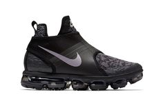 Buy and sell authentic Nike Air VaporMax Chukka Slip Black Silver shoes and thousands of other Nike sneakers with price data and release dates. Latest Sneakers, Casual Sneakers, Air Max Sneakers, Sneakers Fashion, Casual Shoes, Sneakers Nike, Nike Boots, Nike Air Shoes, Nike Air Vapormax