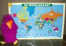 Thema Op reis: Sjakie gaat op wereldreis - Lesidee - groep 2 3 O Pop, Educational Crafts, Craft Activities, School Projects, Summertime, Preschool, Around The Worlds, Camping, Map