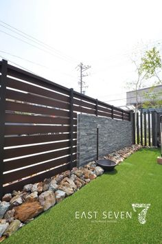 easy backyard ideas dollar stores solid suggestion note 4910462406 imagined on 20190606 Succulent Landscaping, Backyard Landscaping, Backyard Ideas, Hedges, Home Projects, Future House, Outdoor Living, Succulents, New Homes