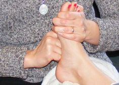Foot Zone Therapy and Essential Oils