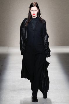 A.F. Vandevorst Fall 2014 Ready-to-Wear_FASHIONFAV  #black #minimal