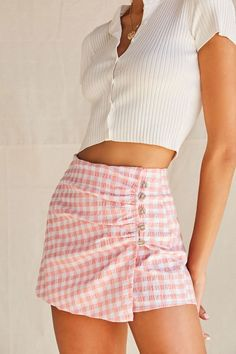 May 2020 - This Pin was discovered by ✰🦋ğ Cute Casual Outfits, Girly Outfits, Summer Outfits, Pink Skirt Outfits, Pink Skirts, Look Fashion, Skirt Fashion, Fashion Outfits, Teen Fashion
