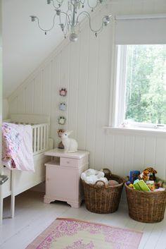 Svenngården: Children's room. White floorboards. Rabbit lamp.
