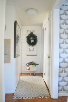 Christmas Ideas for Small Spaces- Small House Ideas- Cape Style Home Small Space Living, Small Spaces, Christmas Home, Christmas Ideas, Christmas Crafts, Merry Christmas, Corner Wall Decor, Cape Style Homes, Entry Furniture