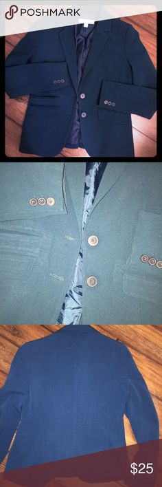 NY&Co always dry cleaned teal blue blazer. Gently worn & always dry-cleaned real blue blazer. All buttons in tact and fully lined. Picture 1, 3 & 4 are closest to color in most lights. Just like the pictures, the blue does look a bit different in different lights. ...…............................................... 🌟🌟30% off bundles 🌟 offers welcome! New York & Company Jackets & Coats Blazers