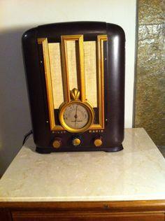 Antigo Rádio Valvulado Capelinha Marca Pilot. - R$ 1.800,00 no MercadoLivre