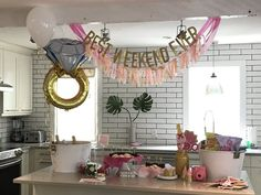 See how Kay & Co pulled off the perfect Charleston bachelorette party for Katie -- including bachelorette party decorations, personalized Charleston bachelorette party ideas, and ideas for what to do in Charleston, SC! Click through to read more! #charlestonbacheloretteparty #charlestonwedding #charlestonbachelorette