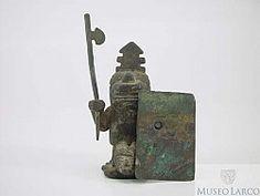 Cultura Huari. Aleación plata-cobre.Catálogo On Line Museo Larco