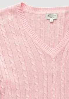 Shell Clover Classic Cable Knit Sweater