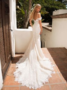 b4607f7b07 228 Best Mermaid & Fit and Flare Wedding Dresses images in 2019 ...
