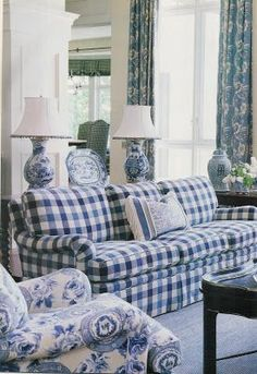 Impressive French Country Living Room Design To This Fall Ideas 41 Blue And White Living Room, Blue And White Fabric, My Living Room, Living Room Decor, White Fabrics, Blue And White China, Blue Gingham, Blue Fabric, Dark Blue