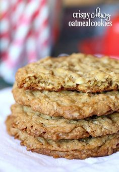 Crispy Chewy Oatmeal Cookies...perfectly crispy on the outside and chewy in the middle! {Cookies & Cups}