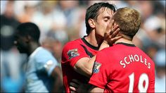 Gary Neville & Paul Scholes.  I love this pic... don't judge me.  :P