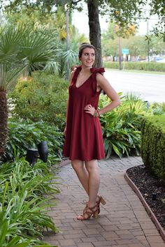 The cutest DIY swing /trapeze dress with bow tie sleeves - sewing tutorial