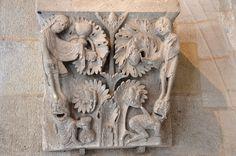 Salle capitulaire - Deux Vertus et deux Vices .Cathédrale Saint-Lazare - Autun (Saône-et-Loire) -Bourgogne Romanesque Art, Architecture Details, Lion Sculpture, Statue, France, Ornament, Places, Photos, Saint Lazarus