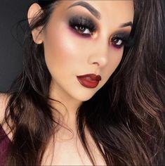 Burgundy Eyeshadow Looks, Burgundy Makeup Look, Burgundy Lipstick, Black Lipstick, Black And Red Makeup, Black Makeup Looks, Makeup For Green Eyes, Vampire Makeup Looks, Rock Makeup