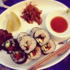 Sushi roll for rainy Stormy day. Was gorgeous wether for beginning of summer. #カフェおかえり #おかえりカフェ #リシケシ #リシケシュ #和食 #日本食 #菜食 #ベジタリアン #雑穀 #スプラウト #ヴィーガン #発酵 #ヨガ #ヨーガ #cafeokaeri #okaericafe #rishikesh #Japanese #sushi #vegetarian #millet #sprout #vegan #yoga