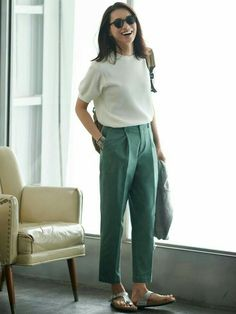 Uniqlo The perfect summer work outfit. Casual Work Outfits, Work Casual, Chic Outfits, Casual Looks, Kids Outfits, Summer Outfits, Fashion Outfits, Birkenstock Outfit, Uniqlo Women Outfit