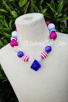 Little girl's purple and pink necklace