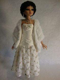 Ooak Hand Beaded Gown FOR Tonner Ellowyne Wilde Friends   eBay sold for $51 on July 28, 2013