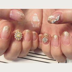 party💎👠✨💒👗💍✨ #nail#art#nailart#ネイル#ネイルアート#bijou#gold#party#princess#glitter#gorgeous#ショートネイル#ネイルサロン#nailsalon#表参道#bijou111 (111nail)