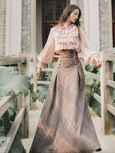 Pretty Outfits, Pretty Dresses, Beautiful Dresses, Lolita Fashion, Look Fashion, Fashion Design, 80s Fashion, High Fashion, Old Fashion Dresses