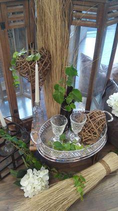 Impressionen Schatzkiste Tablett Polster Hortensie Flasche Herz Kerze Flaschenkorb Table Decorations, Plants, Furniture, Home Decor, Hydrangeas, Pastel, Candles, Autumn, Homes