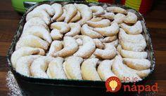 Výsledok vyhľadávania obrázkov pre dopyt Viedenské vanilkové rožteky Holiday Cookies, Sweet Desserts, Christmas Baking, Apple Pie, Sushi, Food And Drink, Healthy Recipes, Cooking, Cake