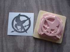 Hunger Games Mockingjay Pin Rubber stamp by dragonflycurls on Etsy, $12.00 i could probably do this with lino