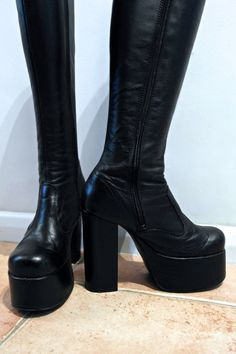 Vintage 1970s PLATFORM BOOTS Skin Tight Black Leather Knee