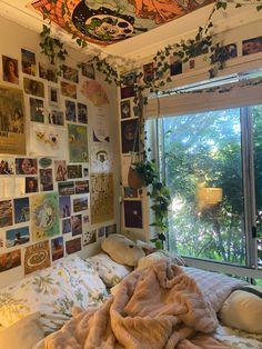 Room Design Bedroom, Room Ideas Bedroom, Teen Bedroom Designs, Bedroom Inspo, Dream Rooms, Dream Bedroom, Indie Room, Cute Room Decor, Pretty Room