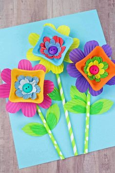 Easy Mothers Day Crafts for Kids – Drink Carrier Flowers - Spring Crafts For Kids Easy Mother's Day Crafts, Mothers Day Crafts For Kids, Crafts To Make, Kid Crafts, Simple Crafts, Creative Crafts, Spring Arts And Crafts, Monkey Crafts, Egg Carton Crafts