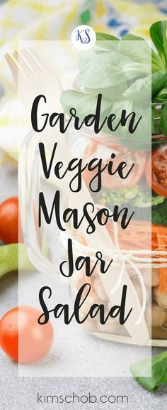 Garden Veggie Mason Jar Salad with Homemade Dressing. You can experiment and use any combination of ingredients you prefer. The key to success with Mason jar salads is the order you add your ingredients. Salad In A Jar, Soup And Salad, Healthy Salads, Taco Salads, Healthy Foods, Homemade Dressing, Plant Based Diet, Summer Salads, Mason Jars