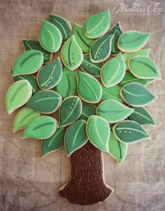 Cute for a family reunion!  Even making a leaf for each person attending.
