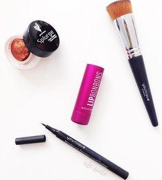 """Ale Nieto en Instagram: """"Cositas bonitas para primavera  amo el nuevo #Lipbonbons es delicioso !! Sombra en crema #splurgecreamshadow en #defiant súper tono para primavera ! Delineador liquido en tono #perfect y brocha para maquillaje líquido !! Un #musthave ❤️❤️❤️ consiéntete y compra tus cositas en www.alenieto.com  #younique #mexico #makeupaddict #makeup #youniqueespaña #españa"""""""