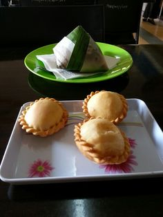 Malaysian Curry Puff & Nasi Lemak