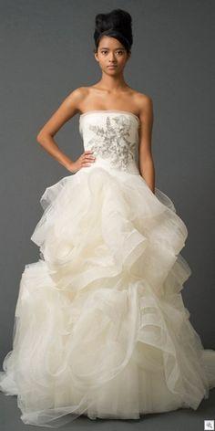 Diy old doors fairy lights to wed pinterest wedding for Vera wang princess wedding dress