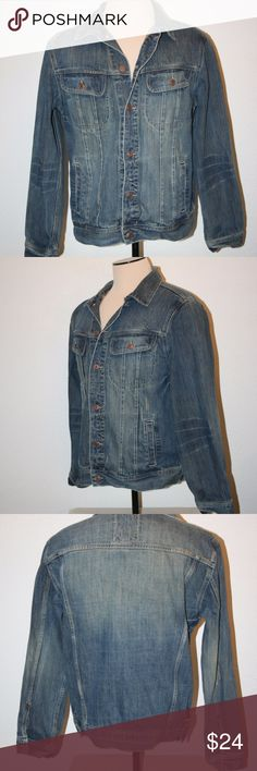 """OLD NAVY Mens Large Denim Jean Jacket Chest: 46"""" Old Navy Excellent Condition - No Stains Denim or Jean Jacket Long Sleeves Large Blue Distressed Style   Chest:  46"""" (armpit to armpit then doubled) Sleeve Length:  26 1/4"""" Length:  27 1/4"""" 100% Cotton Old Navy Jackets & Coats"""