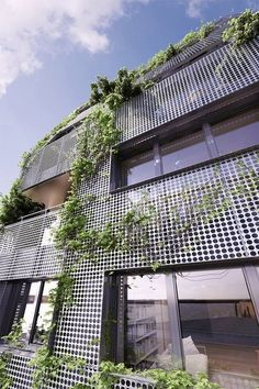 This different Exterior Facade Designs will make your home look marvelous and elegant. Architecture Durable, Green Architecture, Sustainable Architecture, Beautiful Architecture, Architecture Details, Workshop Architecture, Architecture Logo, Architecture Sketchbook, Building Architecture