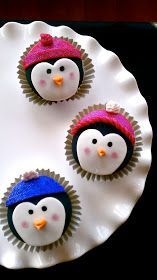 Absolutely adorable!  Butrcreamblondi: Penguin Cupcakes