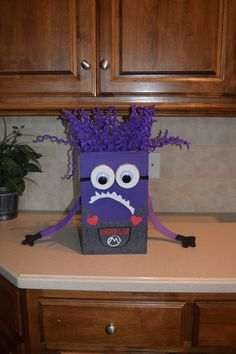 Despicable Me 2 Purple Minion Valentine Box