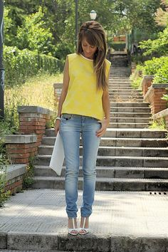 faded jeans (jeans and t-shirt) http://pinterest.com/nfordzho/2013-fashion-t-shirts/