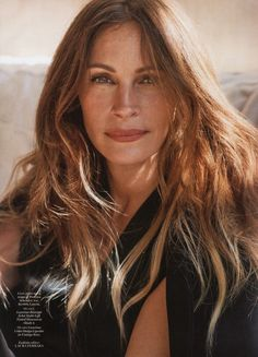 julia roberts2 Julia Roberts Appears in the December 2013 Cover Story of Marie Claire Over Forty