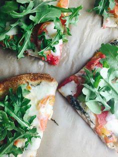 15 Minute Dinner: Healthier Margarita Pizza — EDWINA CLARK
