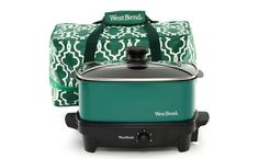 West Bend Versatility Slow Cooker with Insulated Tote and Transport Lid, Green (Discontinued by Manufacturer) Easy Stuffed Peppers, Orange Julius, West Bend, Cool Kitchen Gadgets, Kitchen Stuff, Kitchen Things, Kitchen Products, Kitchen Tools, Kitchen Ideas